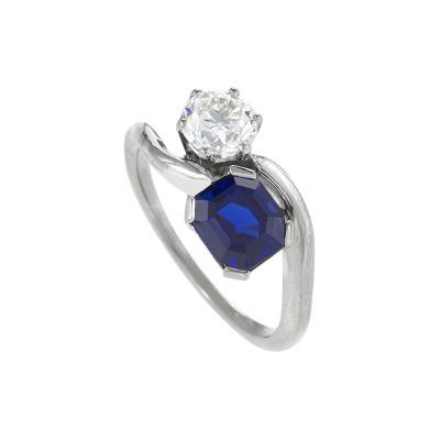 Mid 20th Century Blue Sapphire Diamond and Platinum Ring
