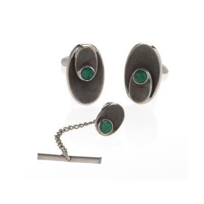 Mid 20th Century Chrysophrase and Gold Cuff Link Set