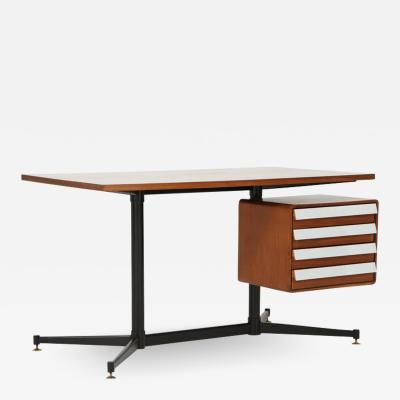 Mid Century Modern Desk in the Manner of Gio Ponti