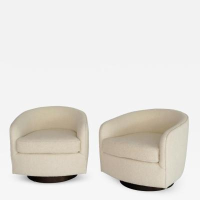 Milo Baughman BOUCLE SWIVEL CHAIRS IN THE STYLE OF MILO BAUGHMAN