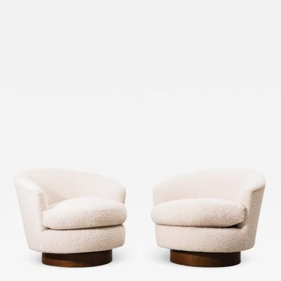 Milo Baughman Milo Baughman Pair of Boucle Swivel Chairs USA 1970s