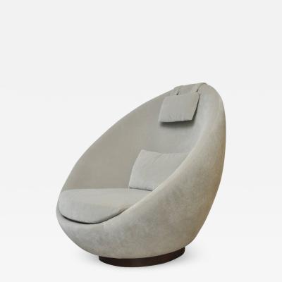 Milo Baughman Milo Baughman The Good Egg Swivel Chair