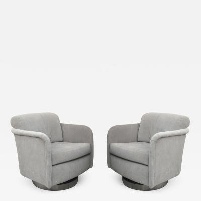 Milo Baughman Pair of Milo Baughman Swivel Club Chairs