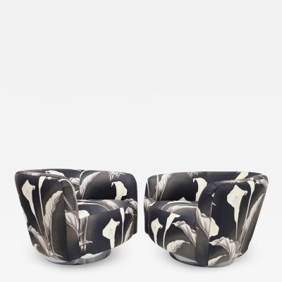 Milo Baughman Pair of Milo Baughman Swivel Lounge Chairs in Black and White