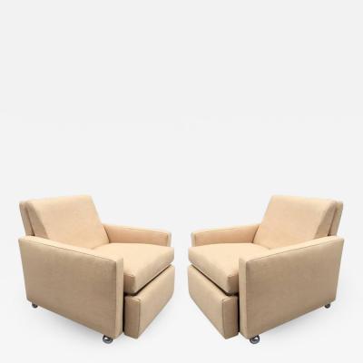 Milo Baughman Pair of Reclining Lounge Chairs by Milo Baughman
