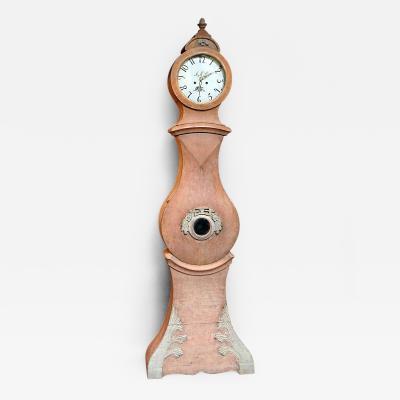 Mora Clock in Original Salmon Paint