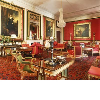 Morel Hughes Rare Regency Giltwood and Silk Upholstered Daybed After Morel Hughes