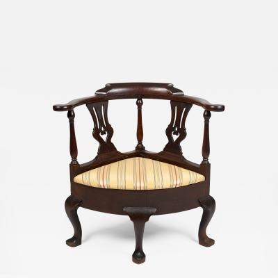 New York Queen Anne Chippendale Walnut Corner Chair