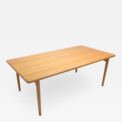 Niels Otto M ller Scandinavian Modern Dining Table in Oak by N 0 M ller for J L Moller 1970s
