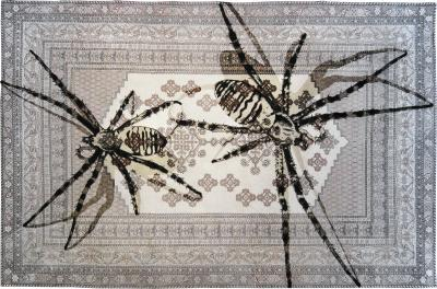 No mi Kiss TWO SPIDERS TAPESTRY
