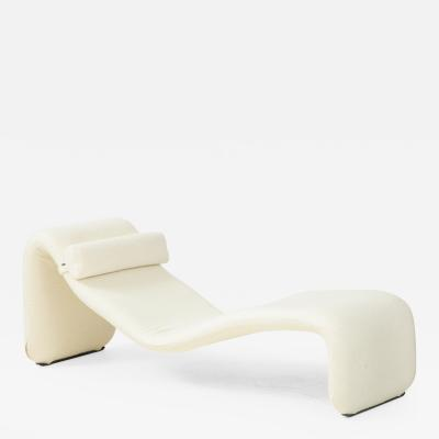Olivier Mourgue Vintage Olivier Mourgue Djinn Chaise Longue in Ivory Boucle France 1964 66