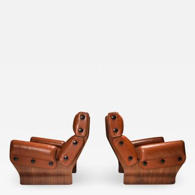 Osvaldo Borsani Borsani P110 Canada Lounge Chairs set in Cognac Leather 1960s