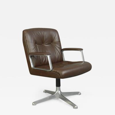 Osvaldo Borsani Leather Office Chair By Osvaldo Borsani For Tecno Milano Circa 1970s