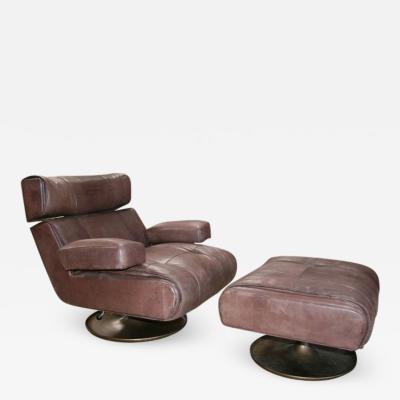 Osvaldo Borsani Osvaldo Borsani Lounge Chair with Ottoman Model P103