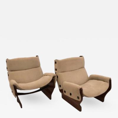 Osvaldo Borsani Osvaldo Borsani Pair of Club Chairs in Rosewood model Canada P110