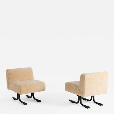 Osvaldo Borsani Pair of armchairs by Osvaldo Borsani for Tecno original label 1960s
