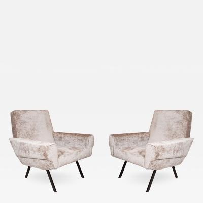 PAIR OF BLOCKY UPHOLSTERED ARMCHAIRS