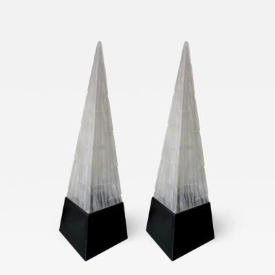 PAIR OF LUCITE OBELISK TABLE LAMPS