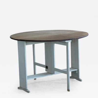 Painted Round Pine Farm Table with Gate Legs and Drop Leaves