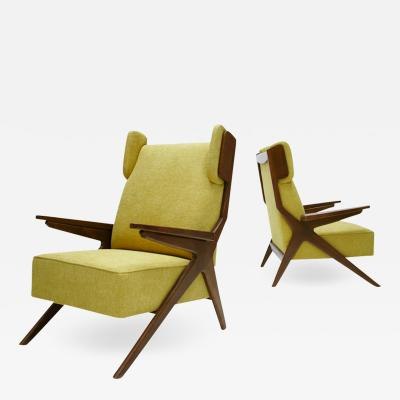 Pair Of Italian Armchairs In The Style Of Gianfranco Frattini