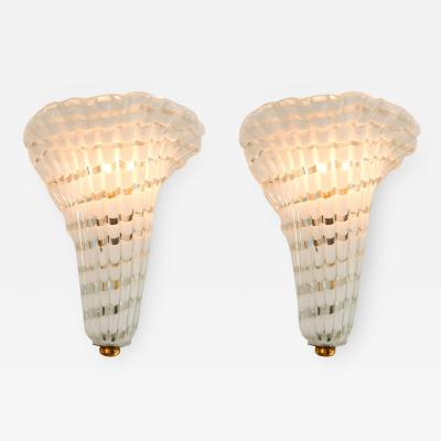 Pair of 1950s Italian Murano glass and brass fluted wall light