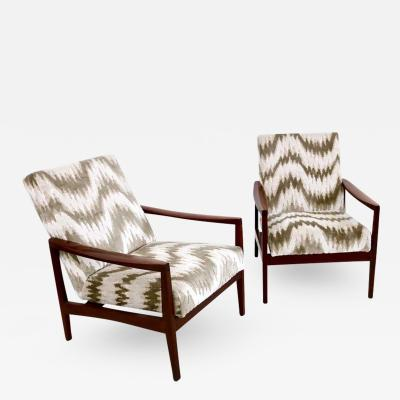 Pair of Beautiful Armchairs Italy 1950s