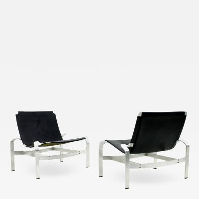 Pair of Lounge Chairs in Aluminum and Leather Attributed to David De Majo