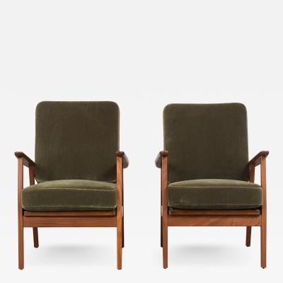 Pair of Mid Century Modern Style Lounge Chairs