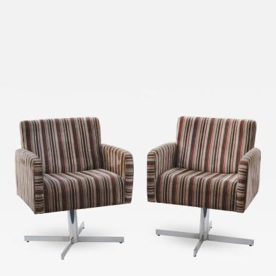Pair of Mid Century Modern Swivel Lounge Chairs