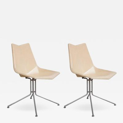 Paul McCobb Pair of White Paul McCobb Origami Fiberglass Side Chairs on Rare Base USA 1950s