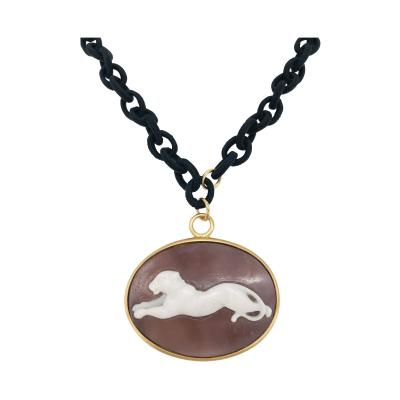 Pendent Panther Cam o Oval Necklace with Yellow Gold and Black Satin