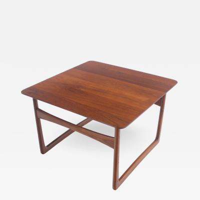 Peter Hvidt Scandinavian Modern Solid Teak Side Occasional Table Designed by Peter Hvidt