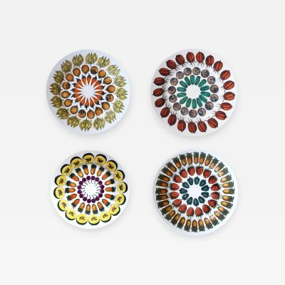 Piero Fornasetti Piero Fornasetti Giostra di Frutta Pattern Set of Four Pottery Plates