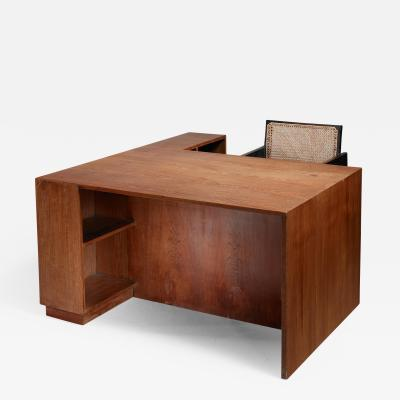 Pierre Jeanneret Pierre Jeanneret Judges deliberation desk from Chandigarh