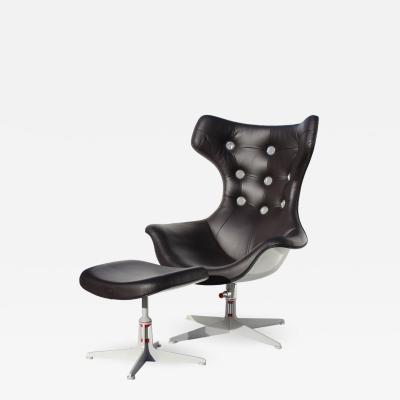 Poltrona Frau Poltrona Frau Italy Wingback Leather Space Age Swivel Chair and Ottoman
