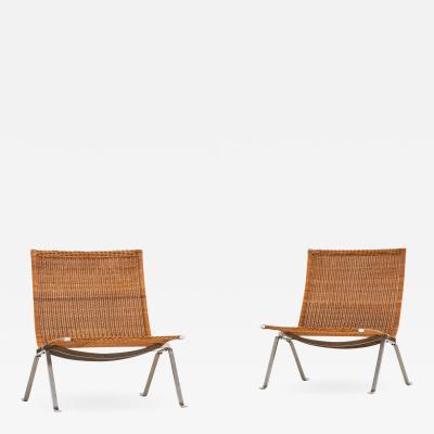 Poul Kj rholm Kjaerholm Easy Chairs Model PK 22 Produced by E Kold Christensen