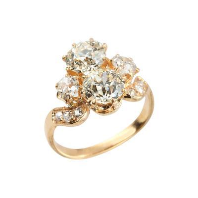 Prev Next Victorian Toi et Moi Diamond 18K Gold Ring