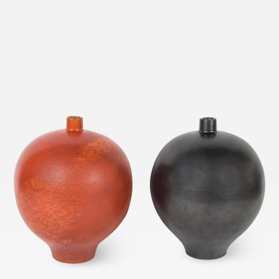 Primavera Atelier du Printemps PAIR OF BLACK AND ORANGE PRIMAVERA VASES