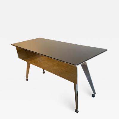 Prismatique Flatiron Table