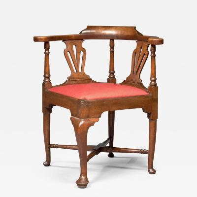 Queen Anne Pad Foot Corner Chair