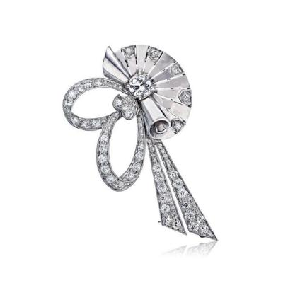 Raymond C Yard RAYMOND C YARD 1940S PLATINUM RETRO DIAMOND FAN CLIP BROOCH