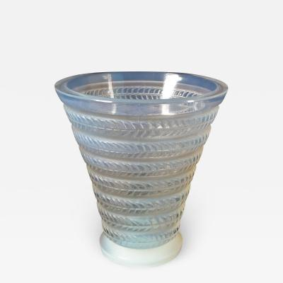 Ren Lalique Lalique Co Rene Lalique Opalescent Glass Cytise Vase