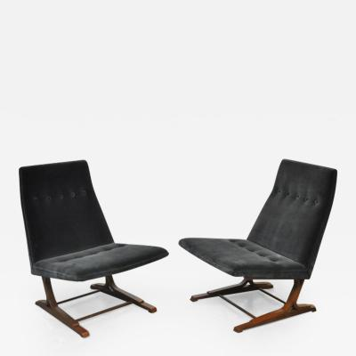 Roger Sprunger Rare Dunbar Cantilever Lounge Chairs by Roger Sprunger Model 480