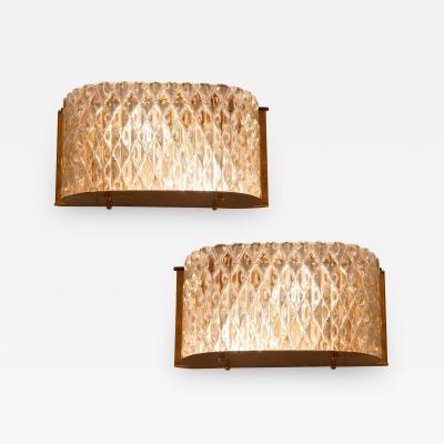 Seguso Vetri d Arte Pair of Italian 1950s Seguso Murano curved glass and brass wall lights