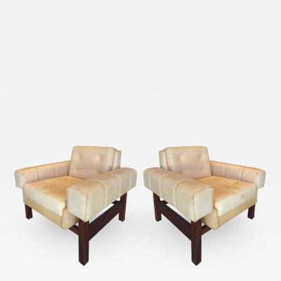 Sergio Rodrigues 1960s Sergio Rodrigues Navona Club Chairs in Jacaranda and Leather Pair