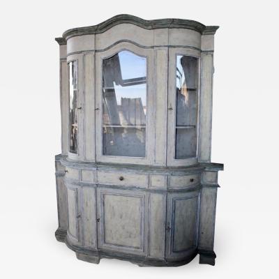 Serpentine Italian cupboard