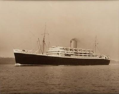 Silver gelatin photo print by Beken of Cowes of RMS Andes