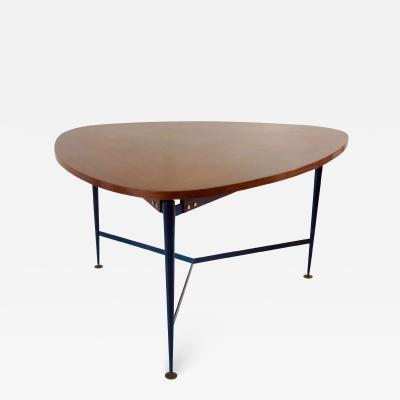 Silvio Cavatorta Fine three feet Silvio Cavatorta large teak triangular round dining table 1950