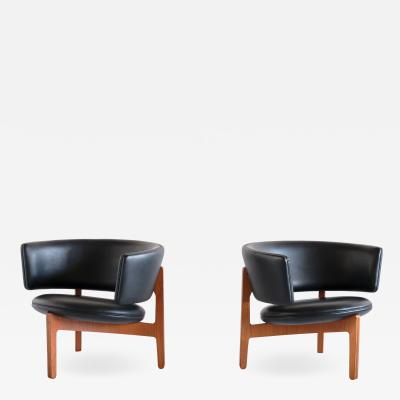 Sven Ellekaer Pair of Sven Ellekaer Three Legged Lounge Chairs Chr Linneberg Denmark 1962