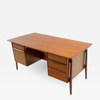 Svend Aage Madsen Exceptional Scandinavian Modern Executive Desk Designed by Svend Madsen